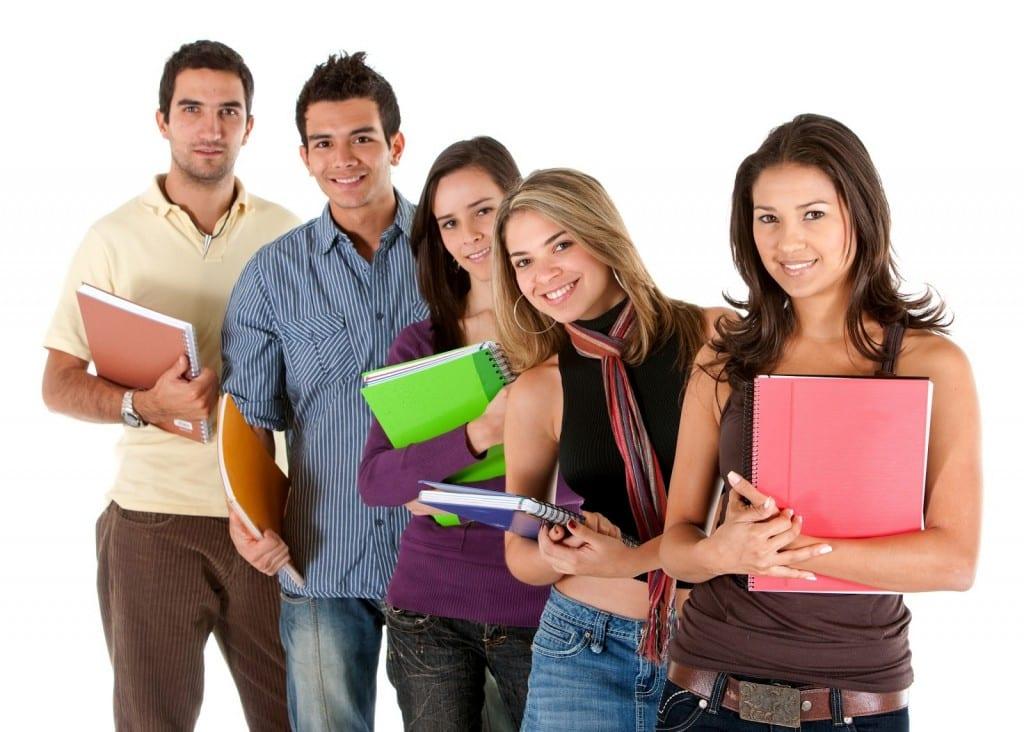 Otorgan Becas de Educación Superior